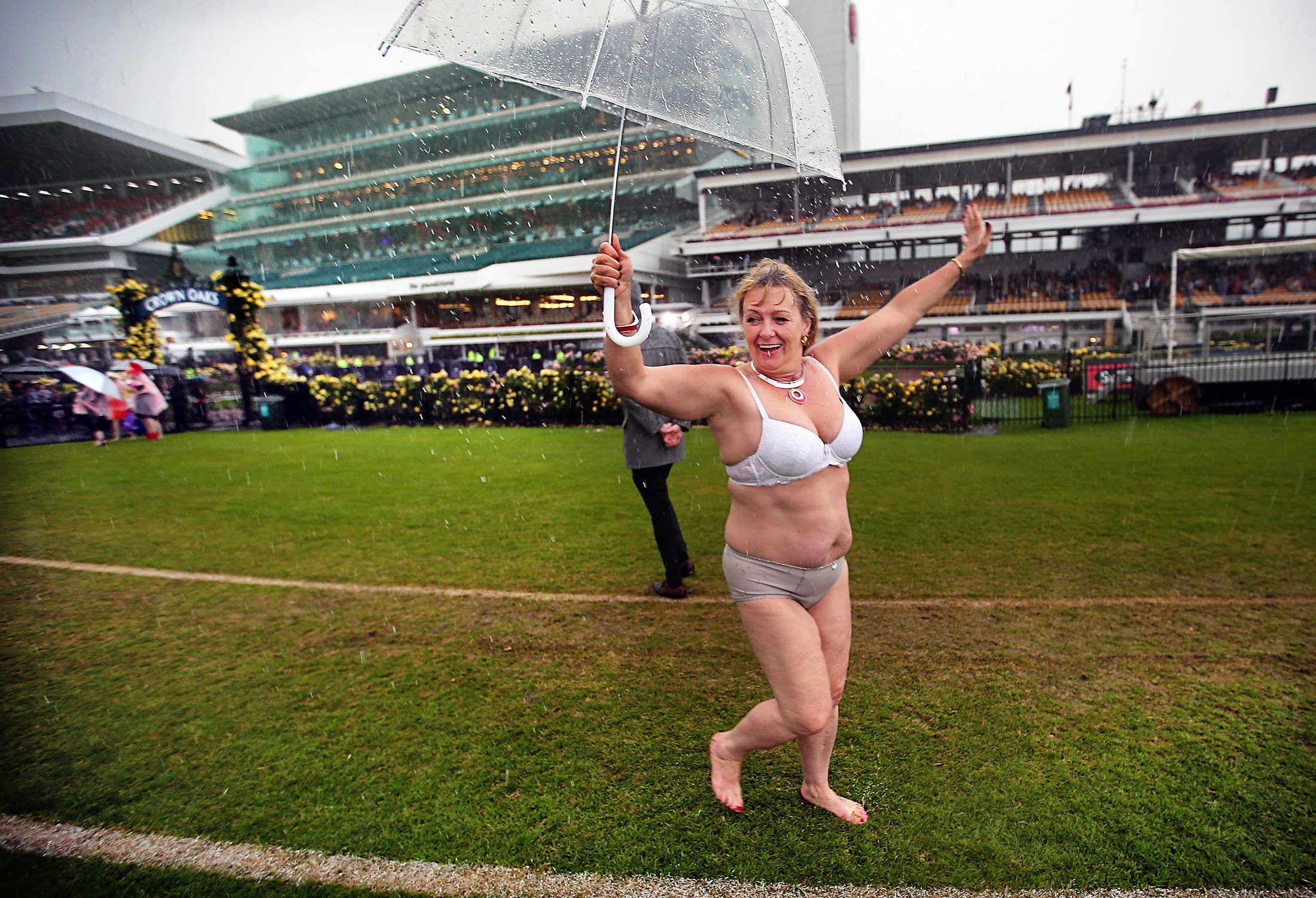 The best and worst melbourne cup fashion moments